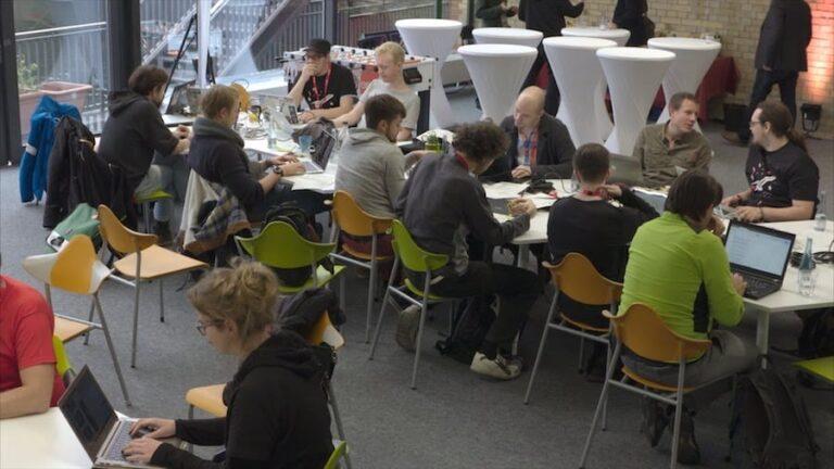 Coder beim 3. DB Hackathon